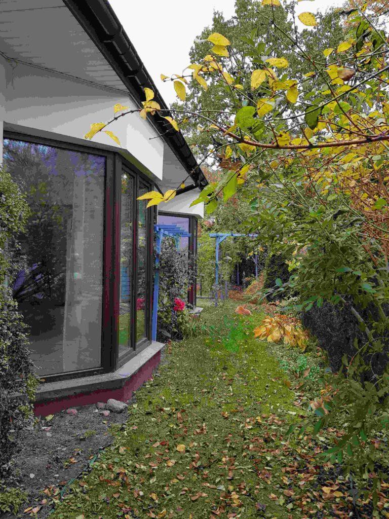 Dom na sprzedaż warszawa białołęka. Wygodny, do zamieszkania, w centrum dzielnicy Białołęka, z dużym ogrodem. Cicha, zielona okolica.